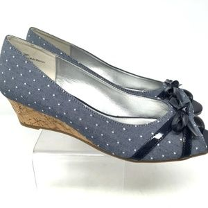 Kelly & Katie Women's Wedge Size 9.5 Blue Jeans